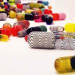 addict_glass_pills_1